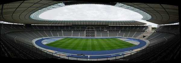 Fußball DFB Pokal Finale 2021: RB Leipzig vs Borussia Dortmund – Copyright: https://pixabay.com/photos/olympic-stadium-stadium-berlin-363477/ – Licence: Pixabay Licence. Bild von Peter Timmerhues von Pixabay.